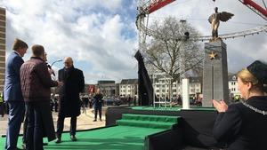 Koning opent Groene Loper
