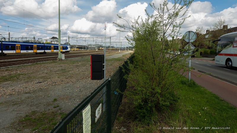 Braakliggend terrein achter station flixbussen_parkeren_Ronald van den Hoven / RTV Maastricht.