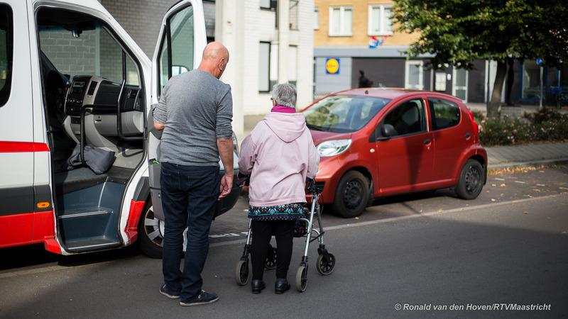 rollator ouderen_foto:RonaldvandenHoven/RTVMaastricht