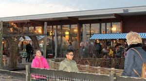 Drukte op kerstmarkt Helderse Vallei