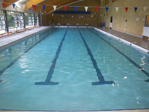 Geen herintroductie schoolzwemmen