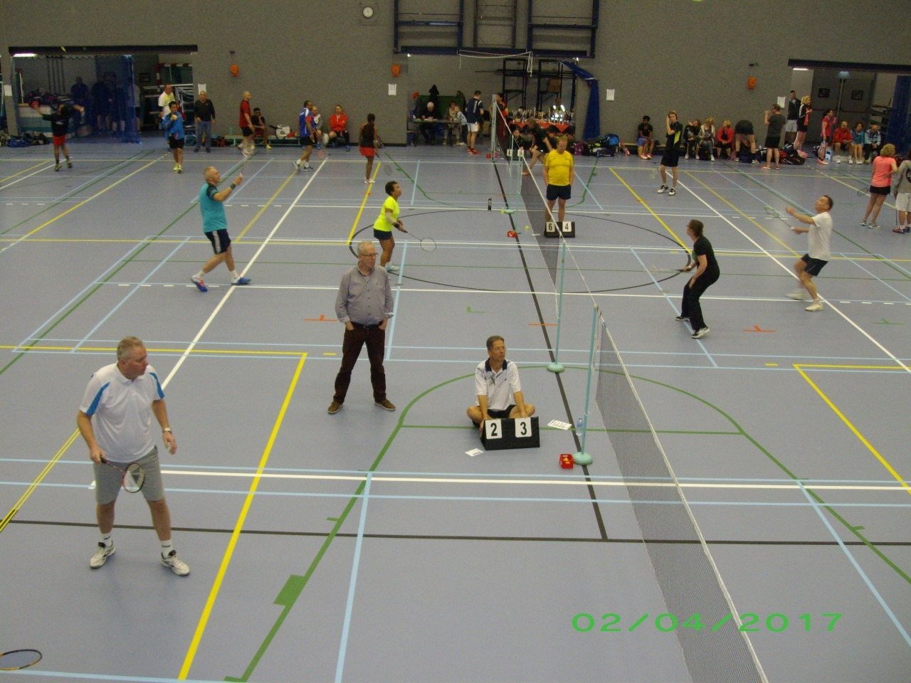 Nieuwkomer pakt wisselbeker Recreatief Badminton Toernooi ... Badminton Toernooi Nl