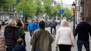 Fietsers over stoep in Boschstraat: gemeente grijpt in