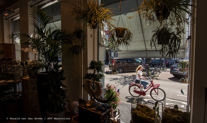 bloemenzaak De Rozengaard parkeren stationstraat_Ronald van den Hoven / RTV Maastricht
