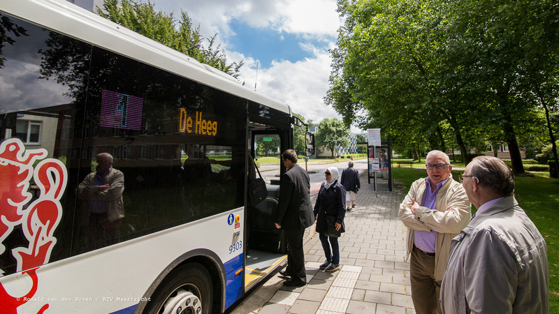 lijn 1 De Heeg bussen bushokje Malberg_Ronald van den Hoven / RTV Maastricht.
