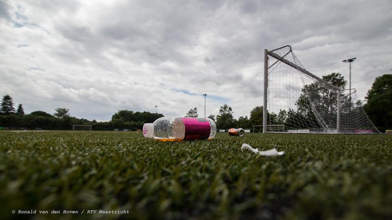 rotzooi afval sportvelden jekerdal-2_Ronald van den Hoven / RTV Maastricht