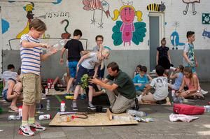 Kinderen basisschool Wyck recyclen