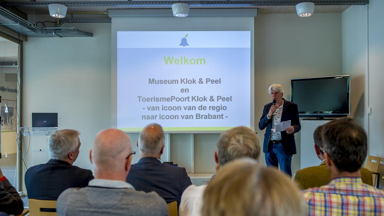 Deska Kantoormeubelen Bv.Lunchbijeenkomst Siris Businessclub Bij Museum Klok Peel In Asten