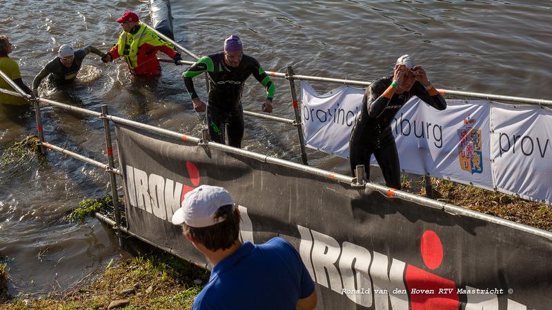 Ironman 2017 zwemmen-3_Ronald van den Hoven / RTV Maastricht.