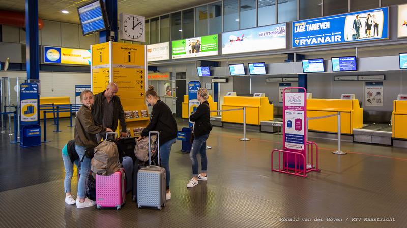 vliegveld Maastricht Aachen Airport_passagiers_reizigers_Ronald van den Hoven / RTV Maastricht.