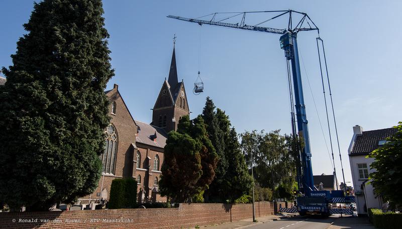 kerk amby nieuwe verlichting klok_Ronald van den Hoven / RTV Maastricht.