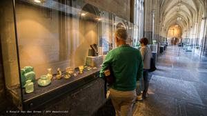 Pronkstukken uit graven geëxposeerd in Sint Servaas