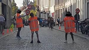 Politie slingert de nodige doorrijders Brusselsestraat op de bon