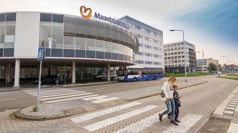 UMC+ ziekenhuis AZM_bussen-2_Ronald van den Hoven / RTV Maastricht.