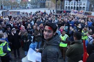 Nieuwe protestmars tegen uitzetting familie Rezaie