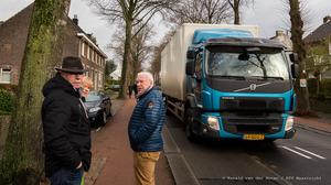 Comité Tongerseweg wil nú oplossing verkeersoverlast