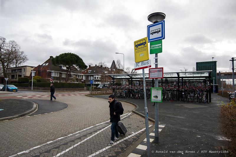 Flixbushalte achter het station_Ronald van den Hoven / RTV Maastricht.