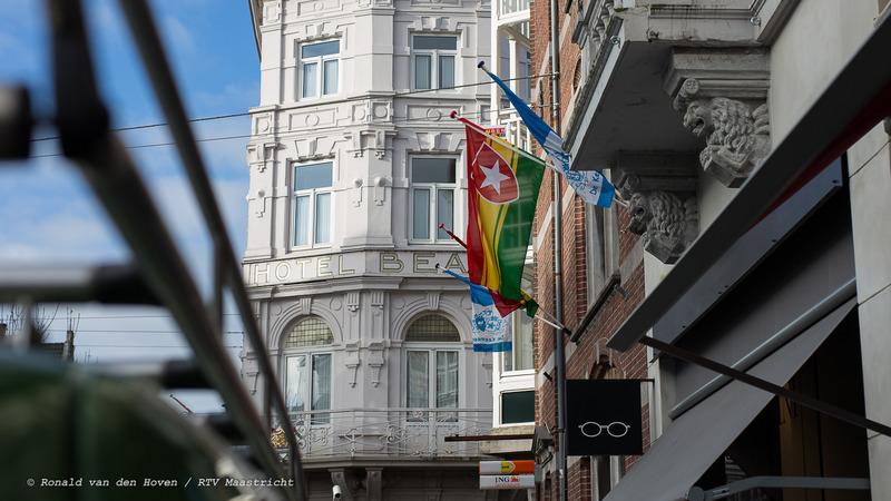 nieuwe carnavalsvlag-Ronald van den Hoven / RTV Maastricht.